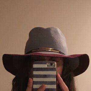SPACE   Wool hat - wide brim NWOT